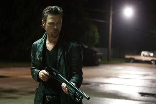 Brad Pitt a Cogan's Trade-ben puskával