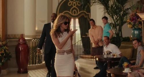képek a Kellékfeleségből: Jennifer Aniston villog rajtuk