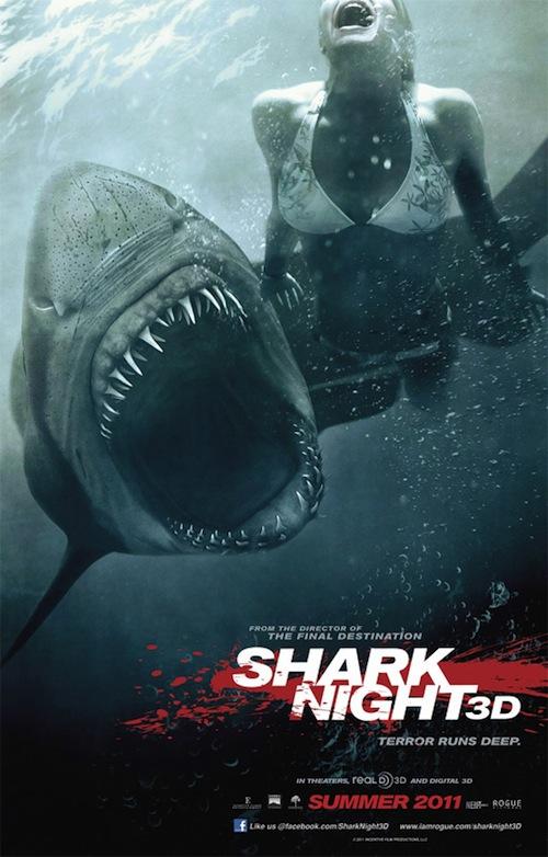 A Shark Night 3d poszterén úszik egy csaj a cápa elől