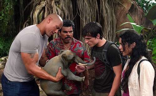 Journey 2: The Mysterious Island kép elefánttal