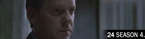 Jack Bauer öltönyben néz jobbra felé