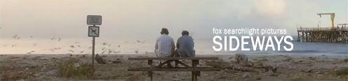 A kettő barát ül egy tengerpari padon