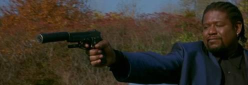 Whitaker hangtompítós pisztolyjal