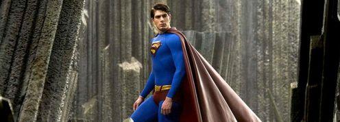 Superman furcsa sziklák között