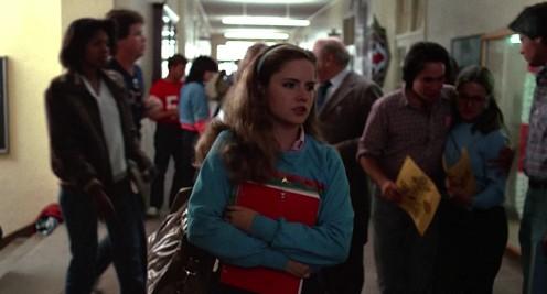 Változó Világ (Fast Times at Ridgemont Hight) főszereplő lány a folyosón