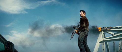 Tom Cruise, badass gun aratás után