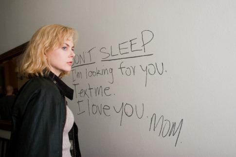 The Invasion - Invázió - Nicole Kidman a falra írt