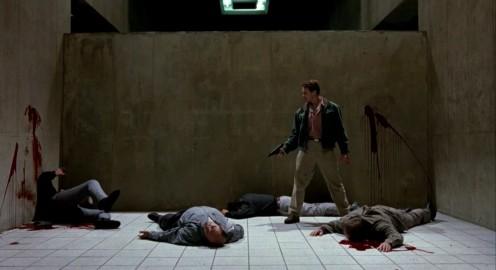 Emlékmás (Total Recall) - Arnie szétcsapott