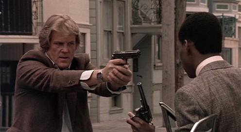 48 óra - Nick Nolte és Eddie Murphy pisztollyal
