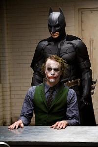 vajon Batman valaha is bekapcsol-e csodás nőt?