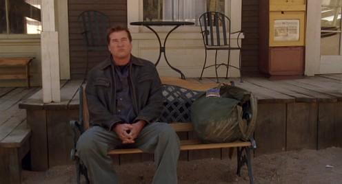 Val Kilmer ül egy pading a Conspiracy című filmben