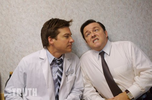 Ricky Gervais éa jason bateman a This Side Of Truth forgatásán