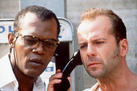 John McClane + Zeus telefonálgat
