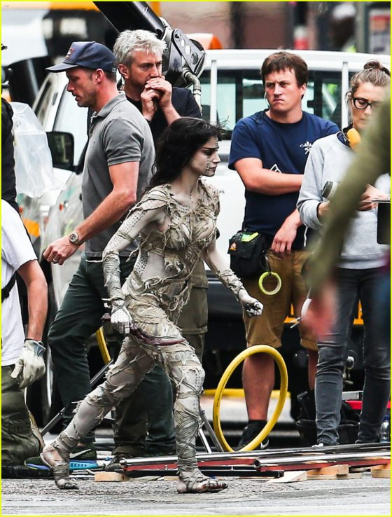sofia-boutella-films-the-mummy-in-full-costume-makeup-36